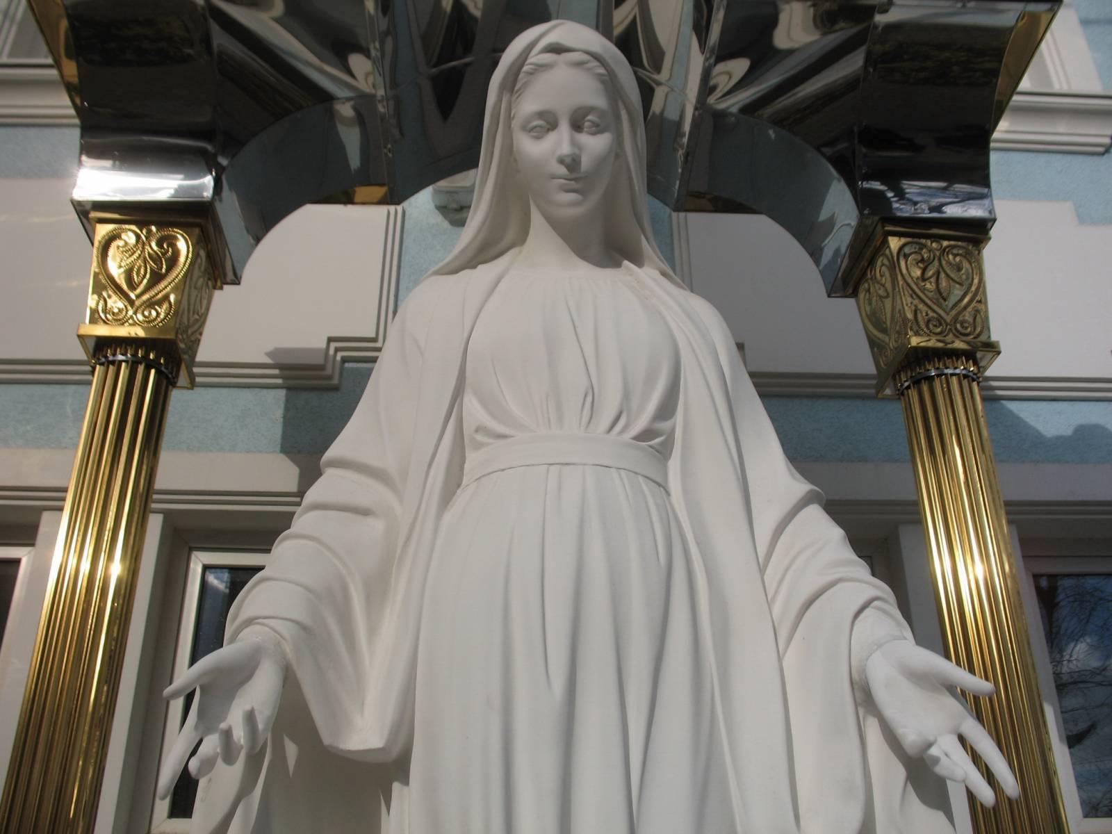 Прикарпатець намагався викрасти Матір Божу