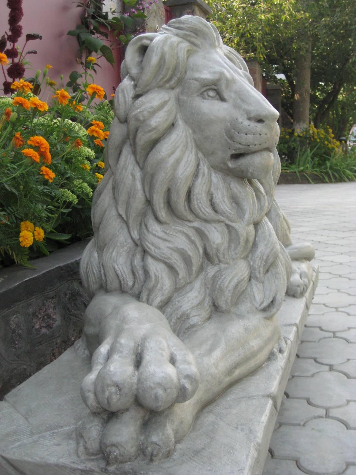 Садовый лев своими руками